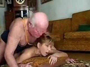 escort girls polen nakna gamla kvinnor