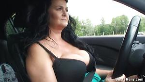 Ältere Frauen mit großen Titten Videos