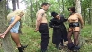 Wald bdsm BDSM Elektrifiziert