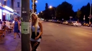 Straße hure mädchen porno bilder