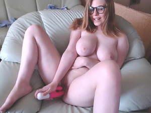 Mollig blond groß titten brille